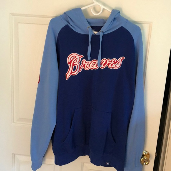 best service 8b877 45106 Atlanta Braves sweatshirt